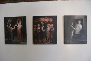 Le caviste est nu - La présentation  A ma santé  - 2013 - huile sur toile 38x40cm