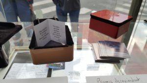 """Gentien Arnault   """"Promis-ils-reviendront"""" - boîtes cuir, velours, livret et 50 photos"""