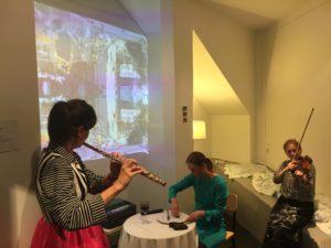 """Les mursI"" - Performance avec MARKETA LANGOVA, violon, et VERA AKNINE, flûte traversière"