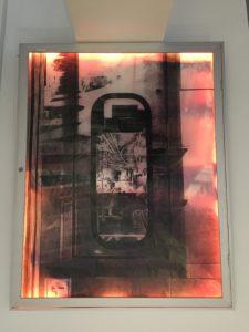 OTT#1 -  panneau lumineux Alugraphie (offset), impression sur bâche, Leds, plexiglas, aluminium, bois 97x75x7cm, 2019