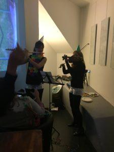 """"""" Les murs II"""" - Performance avec avec MARKETA LANGOVA, violon, et VERA AKNINE, flûte traversière"""